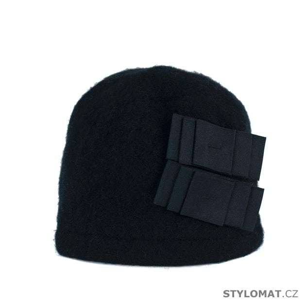 36f5639658c Elegantní dámský zimní klobouk černý - Art of Polo - Dámské vlněné klobouky