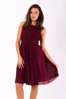 Krátké vypasované šaty bordó