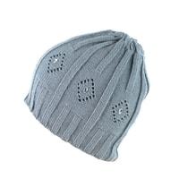 Čepice zdobená perličkami šedá