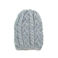 Pletená čepice s copánkovým vzorem světle šedá
