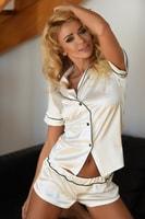 Krátké saténové pyžamo Imperia bílé