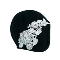 Dámský klobouk s krajkovými květy černý