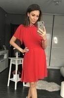 Dámské šaty s širokými rukávy červené