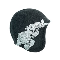 Dámský klobouk s krajkovými květy tmavě šedý