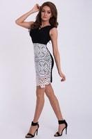 Černé šaty s bílou krajkou na sukni