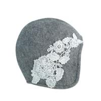 Dámský klobouk s krajkovými květy šedý