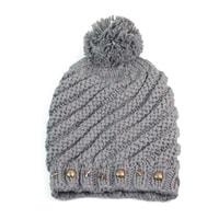 Zimní čepice s hrubým vzorem šedá