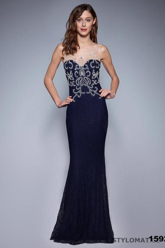 7109106c5c7 Krajkové šaty s aplikací modré - Soky Soka - Dlouhé společenské šaty