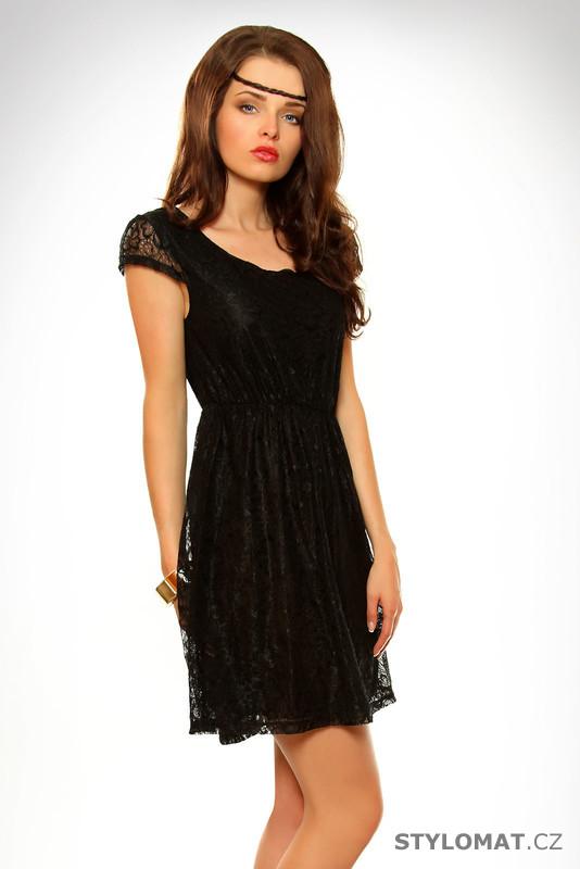 55a5baf4306 Dámské černé krajkové šaty - Pink BOOm - Krátké letní šaty