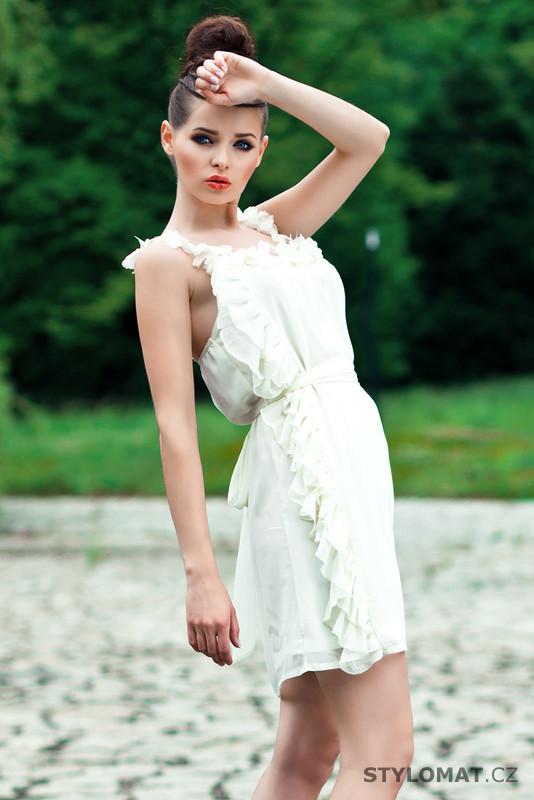 Dámské romantické bílé letní šaty - Pink BOOm - Krátké letní šaty 04b0bc5c01