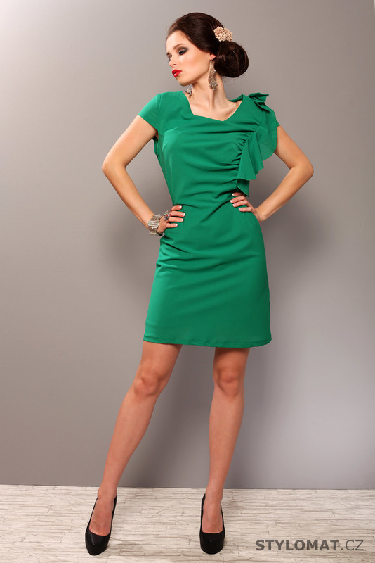 45533a6b10b Elegantní zelené šaty s volánkem - Pink BOOm - Party a koktejlové šaty