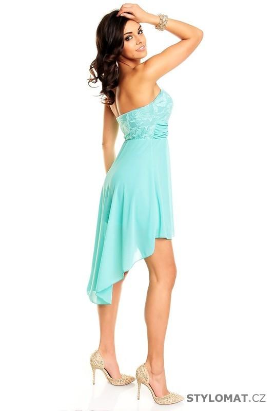 4b7d2b2a5f7 ... Krátké společenské šaty    Dámské tyrkysové krajkové koktejlové šaty.  Previous  Next