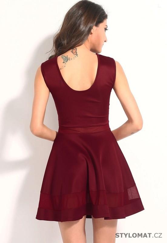 ... Party a koktejlové šaty    Dámské svůdné vínové šaty. Previous  Next ffed980737
