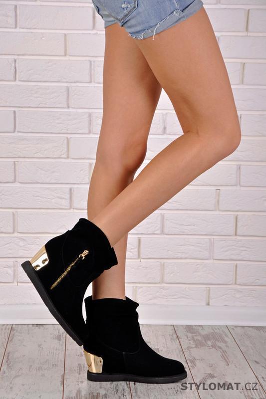 Černé boty se zlatou patou - Chic   Swag - Kotníčkové boty 67c9a4b9ad