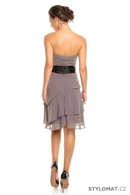 ... Krátké společenské šaty    Dámské šedé koktejlové šaty. Previous  Next 1054e077d1