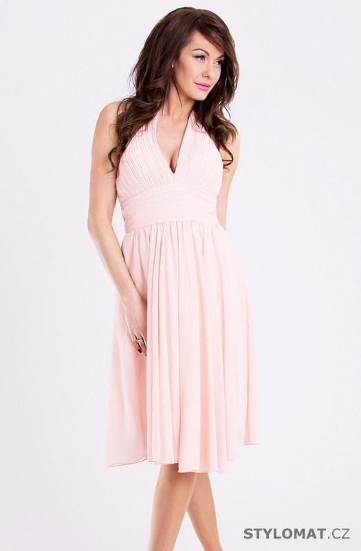 ... Krátké společenské šaty    Růžové romantické dívčí šaty. Previous  Next 5144f31080