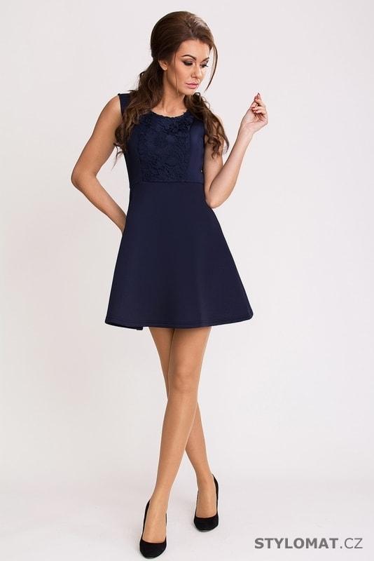 f33ffdace84 ... Party a koktejlové šaty    Tmavě modré elegantní šaty. Previous  Next