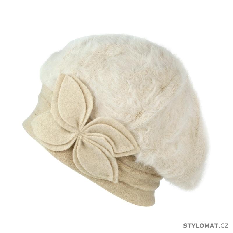 47d46ef8016 Angorský baret s ozdobou bílý - Art of Polo - Dámské vlněné klobouky