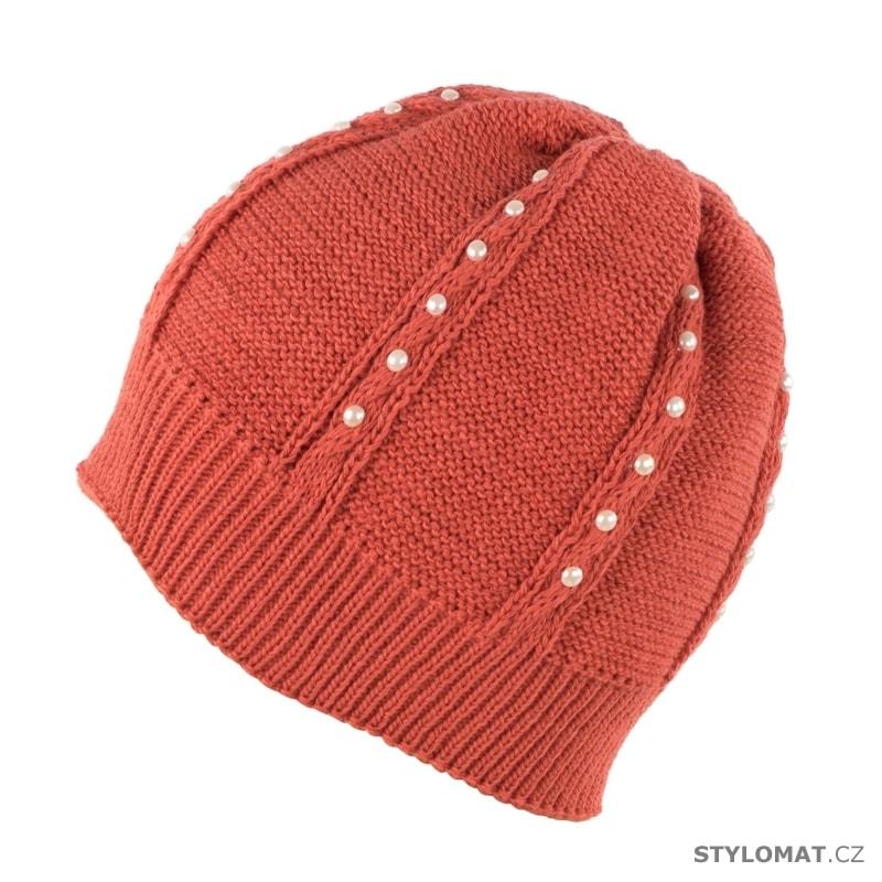 8506802c1c1 Čepice s perličkami červená