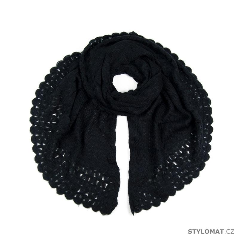 f03dd4b5c77 Teplý šál černý - Art of Polo - Dámské šály a šátky