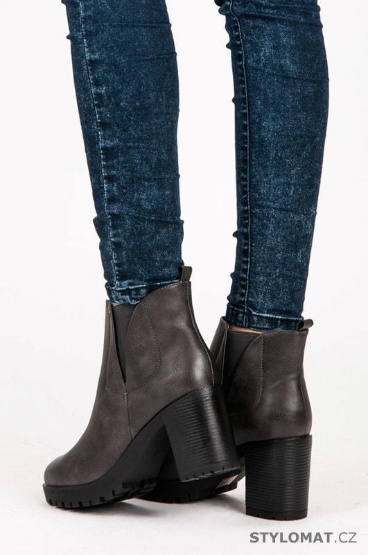 Dámská podzimní obuv na platformě tmavě šedá - Via Giulia - Kotníčkové boty 28a9d935cc