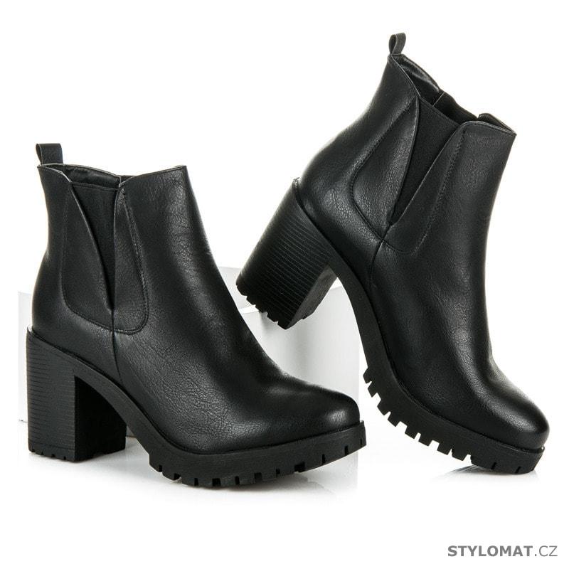 ... Kotníčkové boty    Dámská podzimní obuv na platformě černá. Previous   Next f99d65c0f5
