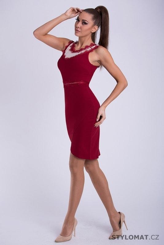 0ed396dbfff Dámské pouzdrové šaty červené - Emamoda - Krátké společenské šaty