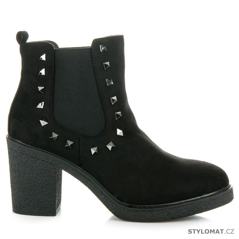 ... Kotníčkové boty    Dámské podzimní boty se cvoky. Previous  Next 214133b9fc
