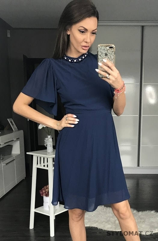 Dámské šaty s širokými rukávy tmavě modré - Pink BOOm - Krátké společenské  šaty 3085c63eef1
