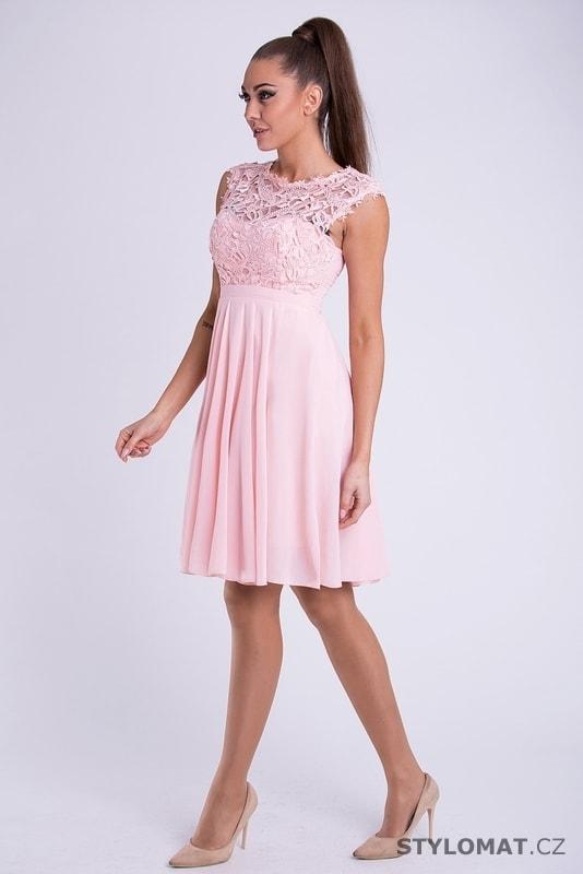 f53420d25cd Krátké společenské šaty s krajkovým vrškem růžové - Emamoda - Krátké  společenské šaty