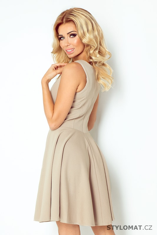 Světle béžové šaty s rovným výstřihem a širokou sukní - Numoco ... 5e8e31d385