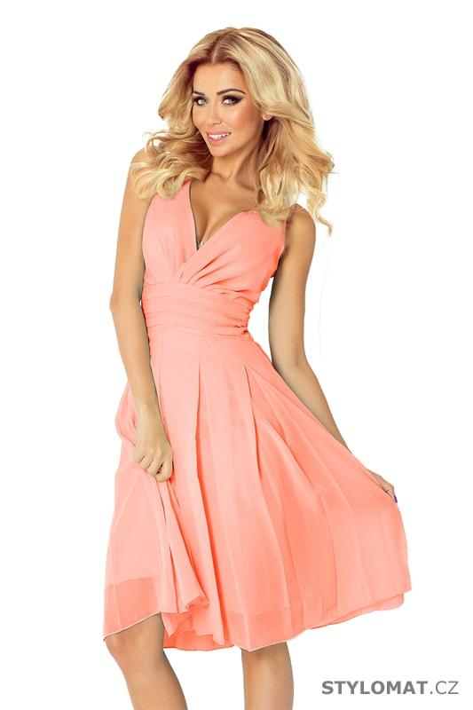 Šifónové šaty broskvové - Numoco - Krátké společenské šaty c6a87f7bc98