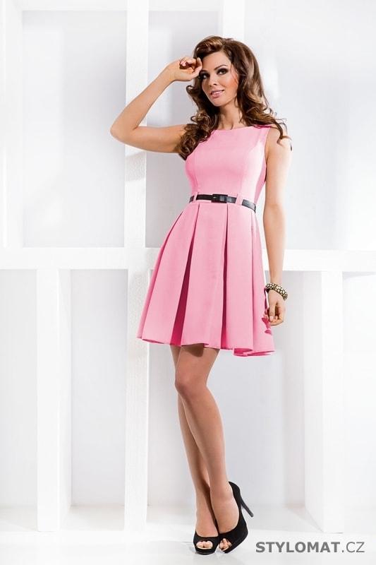 Skládané šaty pastelově růžové - Numoco - Elegantní a business šaty a6b9f54c84