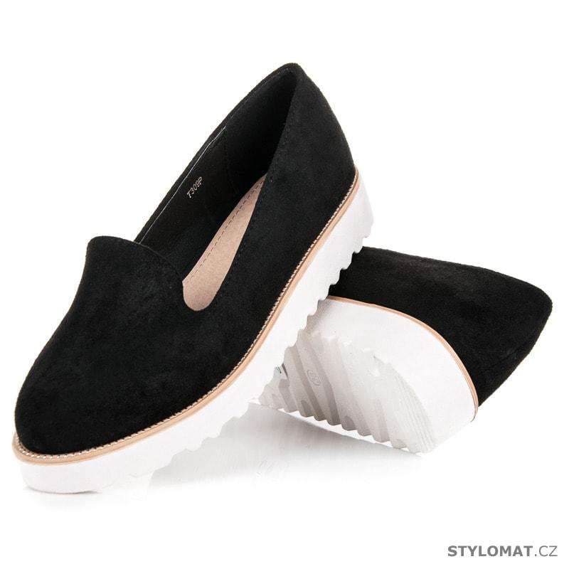 938837addcb ... Polobotky    Nazouvací obuv na platformě černé. Previous  Next