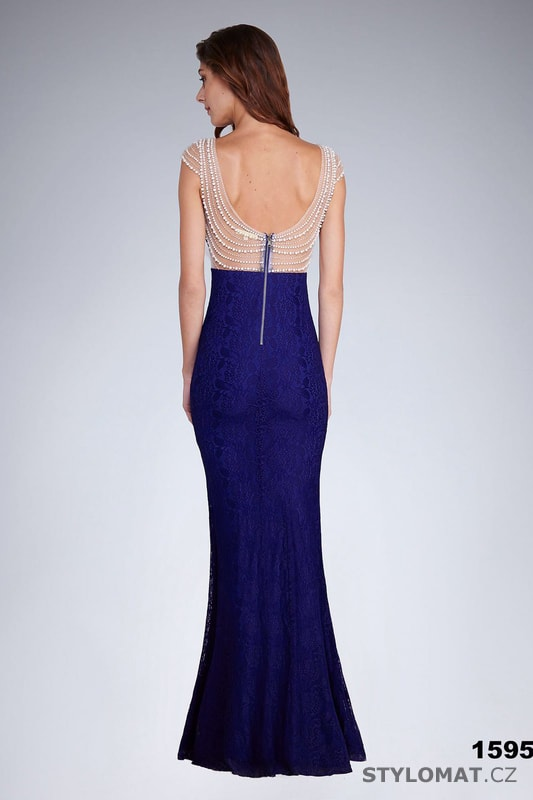 Večerní šaty s perlovou aplikací královsky modré - Soky Soka ... 973c5c12257