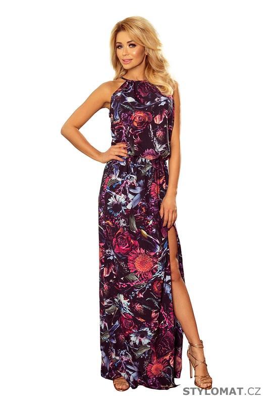 Maxi šaty se zavazováním za krkem a rozparkem se vzorem fialových ... e7d46c90137