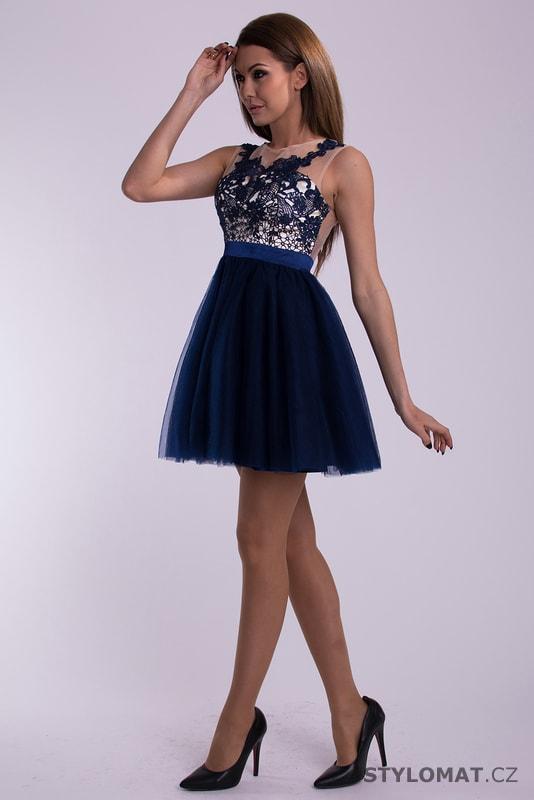 51dfa15ba01 ... Krátké společenské šaty    Modré plesové šaty s šifonovou sukní.  Previous  Next