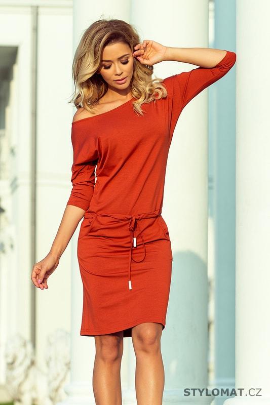 Sportovní šaty cihlové - Numoco - Jarní šaty 45f6c15395