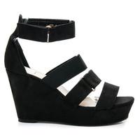 Černé pohodlné sandály na klínku