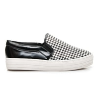 Černobílé nazouváky s kohoutí stopou