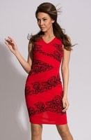 Červené elegantní šaty s ornamenty