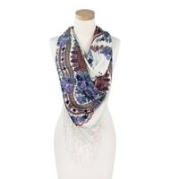 Šátek s etno vzorem bílý