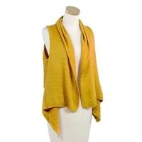 Módní pletená vesta žlutá