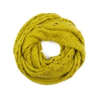 Pletená kruhová šála s ažurovým vzorem žlutá