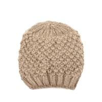 Béžová zimní čepice