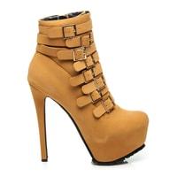 Kotníkové camel boty na jehlovém podpatku