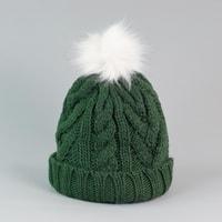 Zelená čepice s bambulí