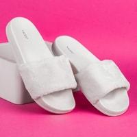 Domácí pantofle s kožešinou bílé