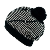 Zimní čepice s bambulí černo-bílá