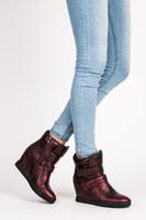Červené sneakery na suchý zip